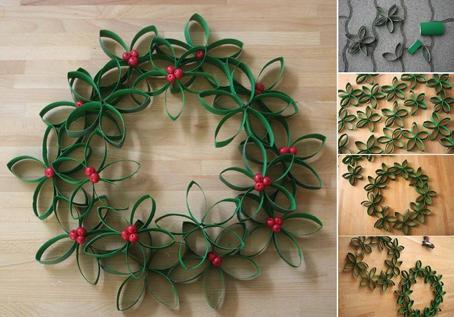 se acerca la navidad y por eso te estamos mostramos ideas muy bonitas para adornar esta navidad hoy te trajimos esta original corona para colgar en la