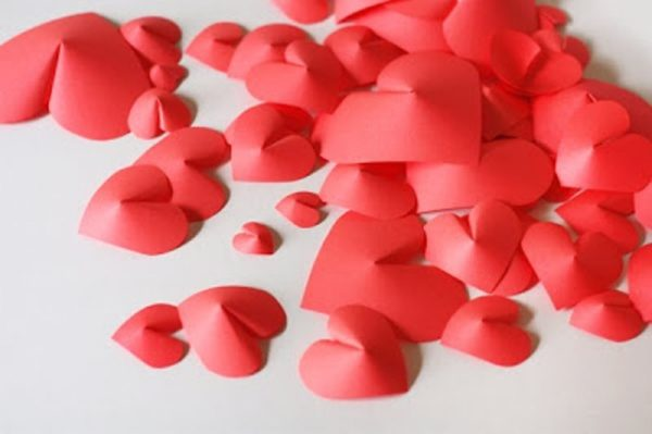 diy-3d-wall-paper-hearts-for-valentines-day-decor-6