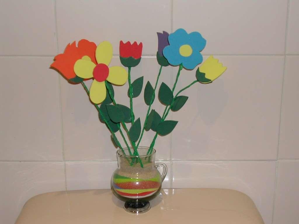 gomaflores-hechas-con-goma-eva-para-regalar