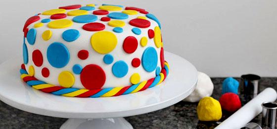 tortaComo_decorar_una_torta_con_fondant