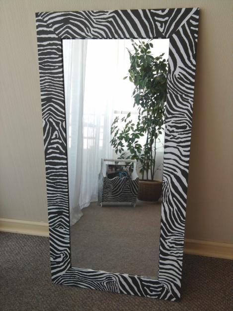Manualidades para reciclar el marco de un espejo renovar for Ideas para decorar un espejo grande