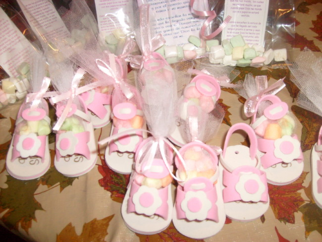 Como-hacer-zapatitos-para-Baby-Shower-en-foami