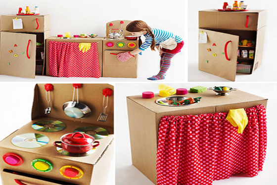 Ideas creativas de juguetes realizados con materiales for Puertas de material reciclado