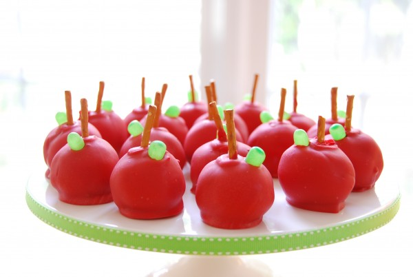 platter-of-apple-cake-pops-600x402